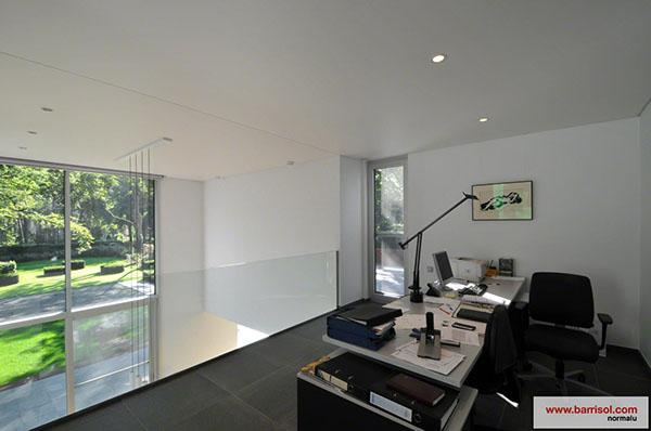 Bureau le plafond tendu barrisol dans votre bureau for Plafond de bureau