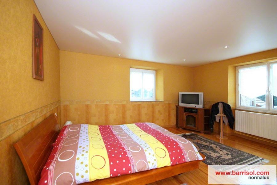 Chambre à coucher : Le plafond tendu Barrisol dans votre chambre