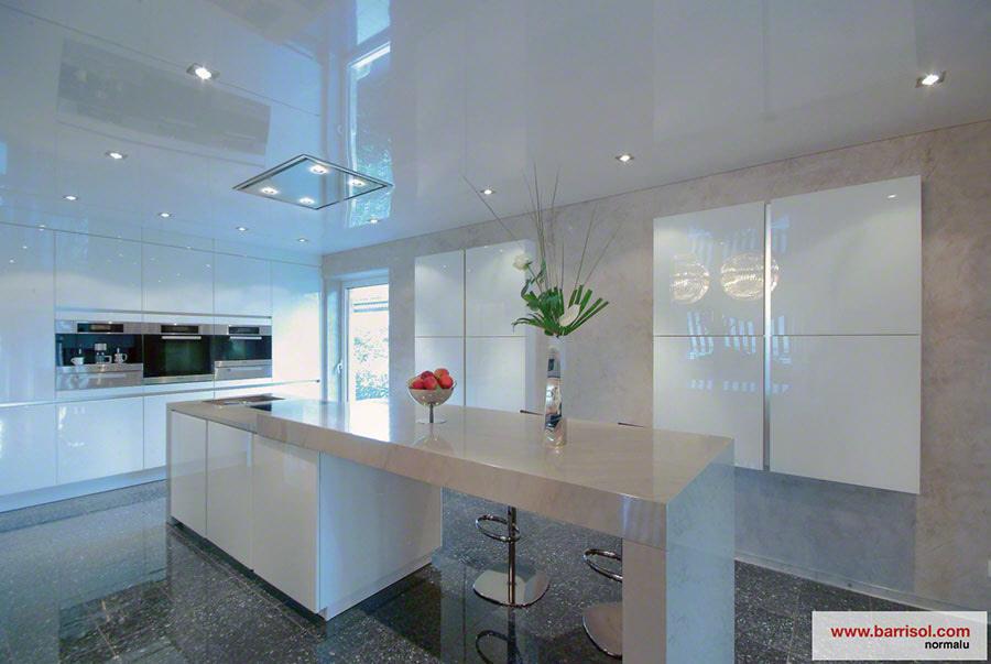 cuisine le plafond tendu barrisol dans votre cuisine. Black Bedroom Furniture Sets. Home Design Ideas